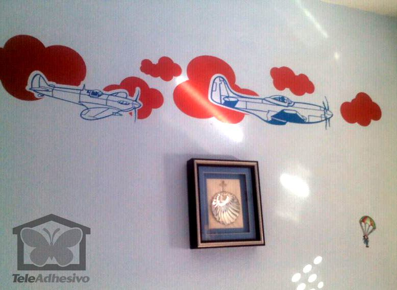 Wall Stickers: Multicolored airplanes and clouds