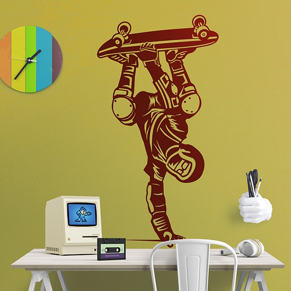 Wall Stickers: Skater resting on the hand
